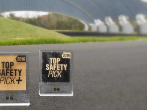IIHS ranks safest 2016 model year vehicles